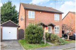 Semi Detached House For Sale  Aylesbury Hertfordshire HP2