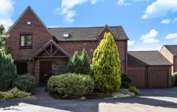 Detached House For Sale  Bracknell Berkshire RG42