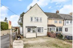 Terraced House For Sale  Carterton Oxfordshire OX1
