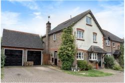 Detached House For Sale  Compton Berkshire RG2