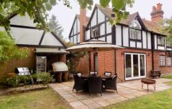 Semi Detached House For Sale RG5 Reading Berkshire RG5