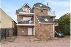 Flat For Sale  Farnham Common Buckinghamshire SL2