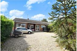Detached Bungalow For Sale  Woolhampton Berkshire RG7