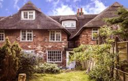 Terraced House For Sale  Thatcham Berkshire RG18