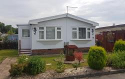 Detached House For Sale RG19 THATCHAM Berkshire RG19