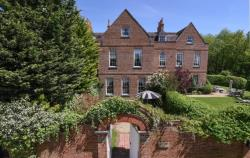 Terraced House For Sale  Guildford Surrey GU3