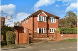 Detached House For Sale  Crowthorne Oxfordshire RG4