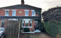 Semi Detached House For Sale RG10 Hurst Berkshire RG10