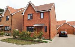 Detached House For Sale RG2 Green Berkshire RG2