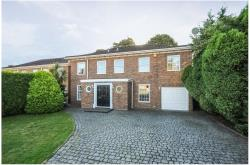 Detached House To Let  Windsor Berkshire SL4