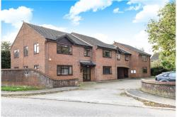 Flat To Let  Aston Clinton Buckinghamshire HP22