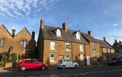 Terraced House To Let  Banbury Northamptonshire OX17