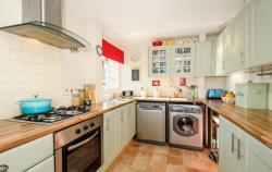 Terraced House To Let  Eynsham Oxfordshire OX29