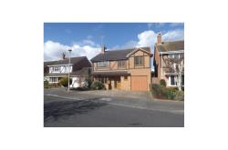 Detached House To Let  Binfield Berkshire RG42