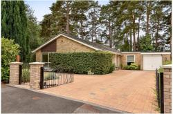 Detached Bungalow To Let  Camberley Surrey GU15