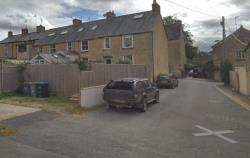 Terraced House To Let  Banbury Oxfordshire OX7
