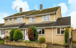 Semi Detached House To Let  Chipping Norton Oxfordshire OX7