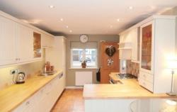 Detached House To Let  Benson Oxfordshire OX10
