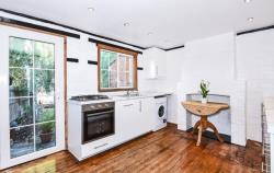 Terraced House To Let  HENLEY ON THAMES Oxfordshire RG9