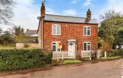 Detached House To Let  Warborough Oxfordshire OX10
