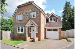 Detached House To Let  WEST WYCOMBE Buckinghamshire HP14