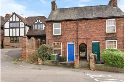 Terraced House To Let  Loudwater Buckinghamshire HP10