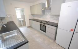 Terraced House To Let Earley Reading Berkshire RG6