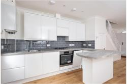 Terraced House To Let  Richmond Surrey TW9