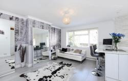 Flat To Let  St Margarets Middlesex TW1