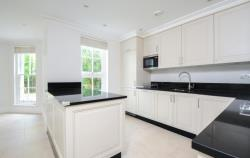 Terraced House To Let  St Margarets Middlesex TW1