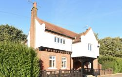 Semi Detached House To Let  Richmond Middlesex TW11