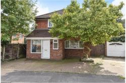 Detached House To Let  Colnbrook Berkshire SL3