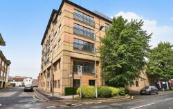 Flat To Let  The Grove Berkshire SL1