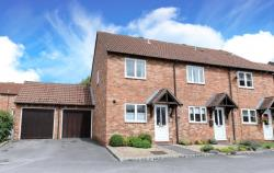 Semi Detached House To Let  Thatcham Hampshire RG19