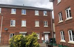 Terraced House To Let RG19 THATCHAM Hampshire RG19