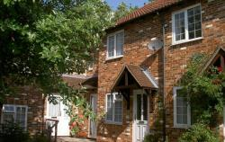 Terraced House To Let Berkshire THATCHAM Hampshire RG19