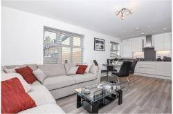 Flat To Let  Green South Yorkshire S75