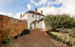 Detached House To Let  Crowmarsh Gifford Oxfordshire OX10
