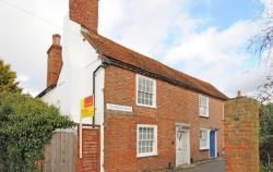 Terraced House To Let  Wallingford Oxfordshire OX10