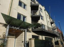 Flat For Sale 100 Hotwell Road Bristol Somerset BS8