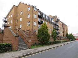 Flat For Sale Holly Street Luton Bedfordshire LU1