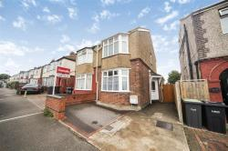 Semi Detached House For Sale  Luton Bedfordshire LU4