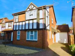 Detached House For Sale  Luton Hertfordshire LU2