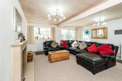 Detached Bungalow For Sale  Maidenhead Berkshire SL6