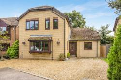 Detached House For Sale St. Neots  Cambridgeshire PE19