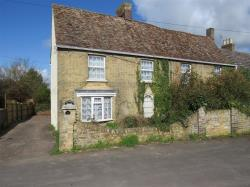Terraced House For Sale St. Neots Gt.Paxton, St.Neots Cambridgeshire PE19
