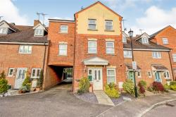 Terraced House For Sale  Markyate Hertfordshire AL3