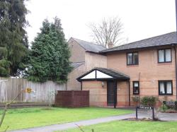 Flat For Sale Railway Terrace Kings Langley Hertfordshire WD4