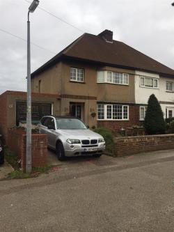 Semi Detached House For Sale The Avenue Biggleswade Bedfordshire SG18