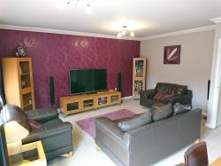 Semi Detached House For Sale Iwade Sittingbourne Kent ME9